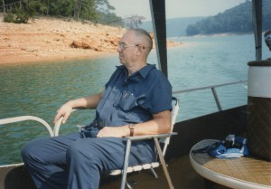 Pop on the boat in Tennessee